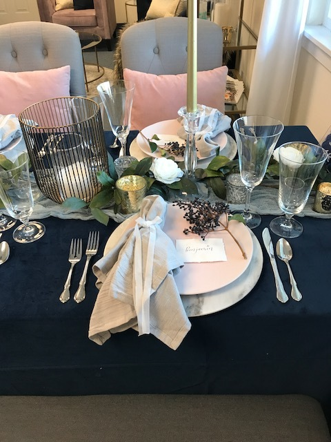 Thank you Party Suppliers for lending the gorgeous blue velvet linen, glassware & marble chargers!