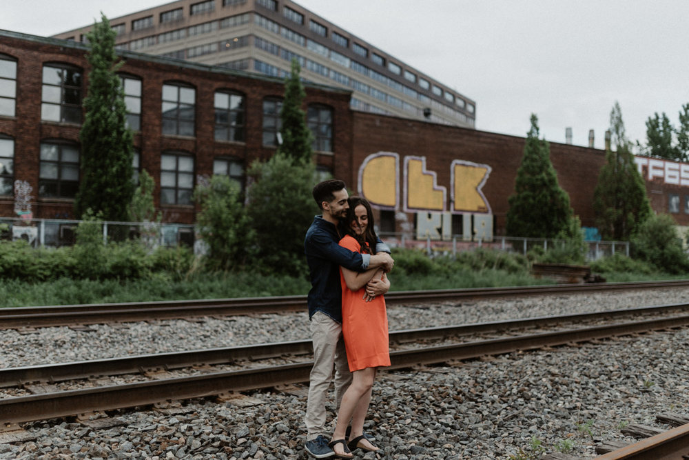 180531 Sarah Jeanne Julie Full hd Séance Couple Montreal Mile End Love Engagement Session  (24 of 54).jpg