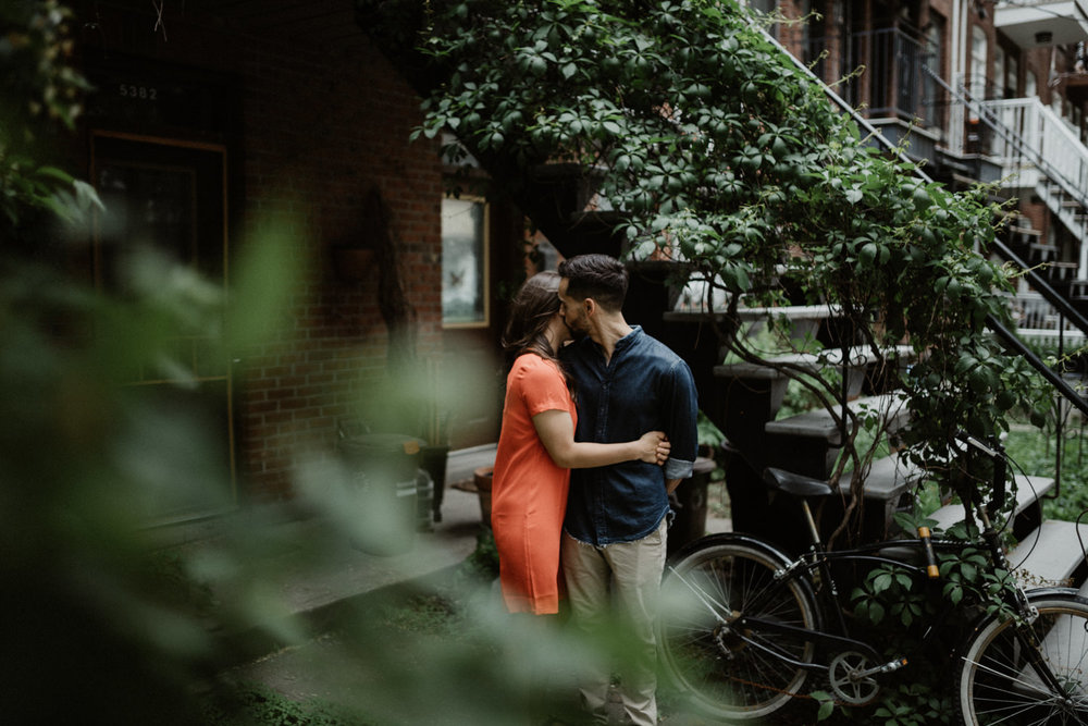 180531 Sarah Jeanne Julie Full hd Séance Couple Montreal Mile End Love Engagement Session  (51 of 54).jpg
