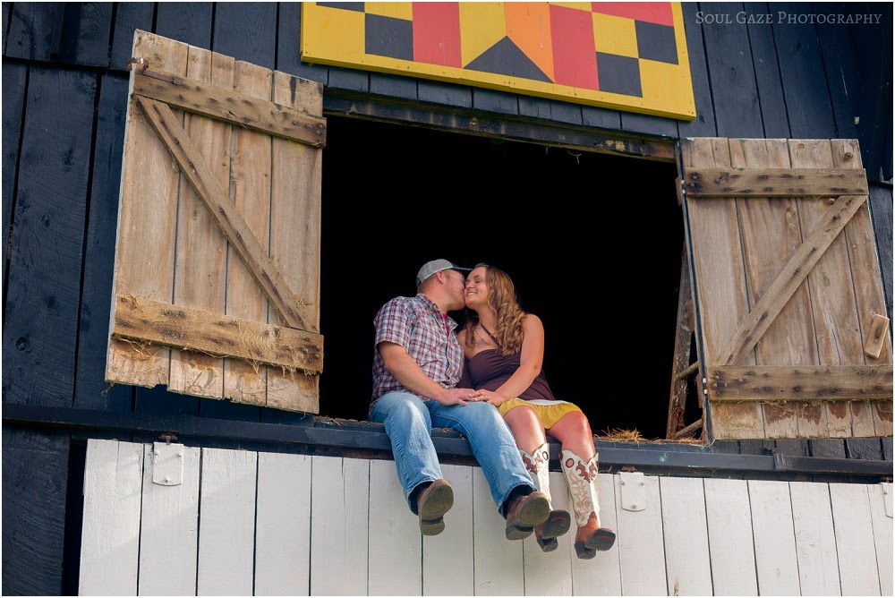 Lauren-Josh-Engagement-Session_0012.jpg