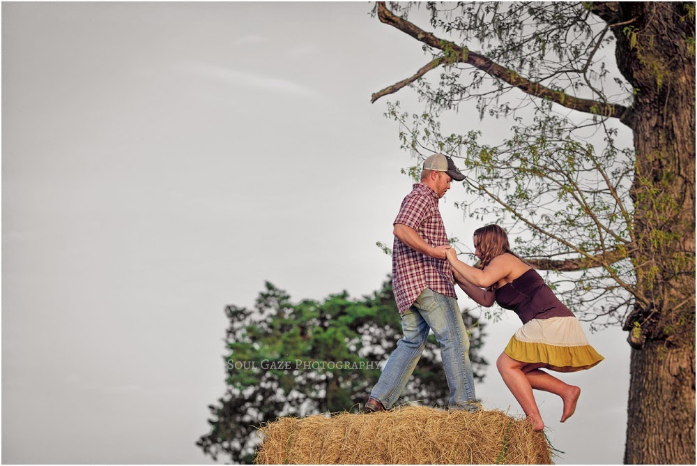 Lauren-Josh-Engagement-Session_0029.jpg