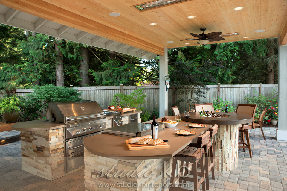 Redmond outdoor kitchen2.jpg