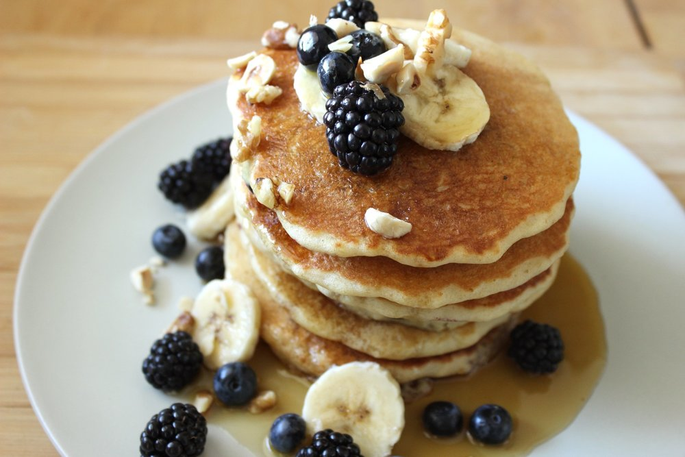 the_fluffiest_vegan_blueberry_pancakes_by_brownble.jpg