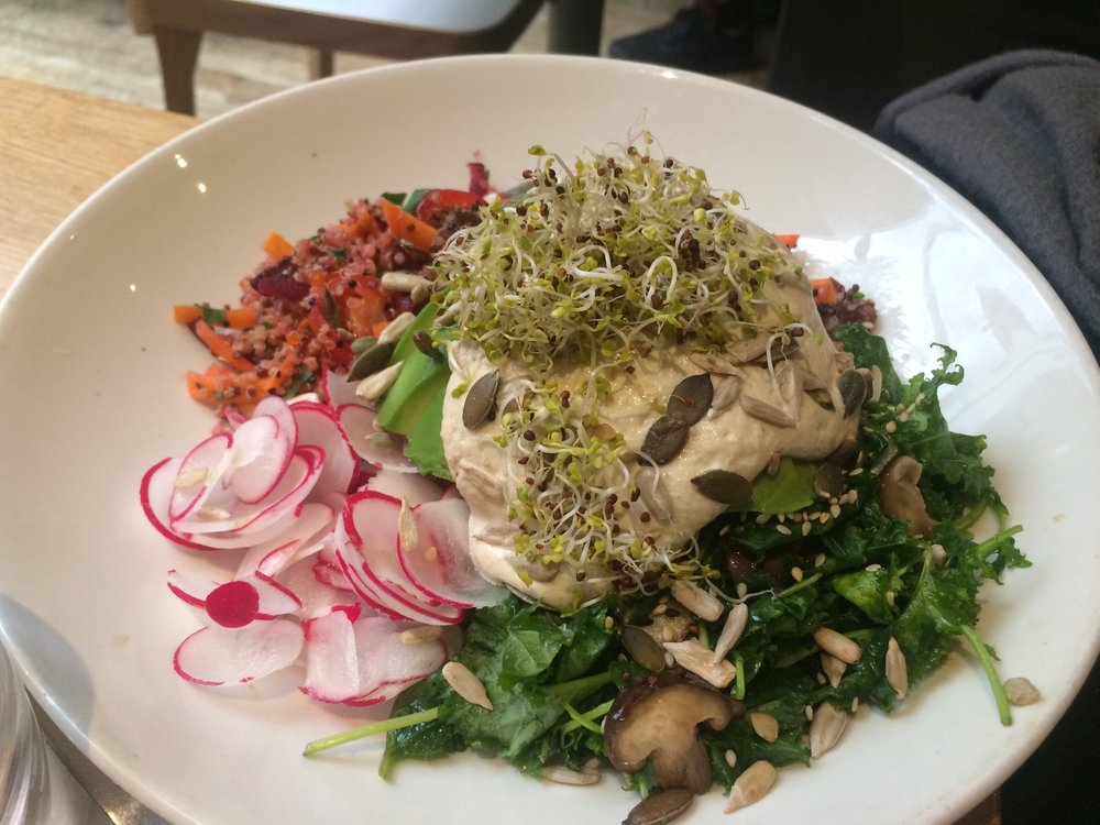 vegan_london_top_vegan_restaurants_vegan_food_in_london_mildreds_soho_soul_bowl.jpg