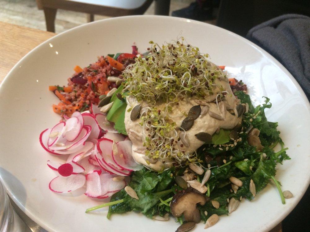 vegan_london_top_vegan_restaurants_vegan_food_in_london_mildreds_soho_soul_bowl.jpg
