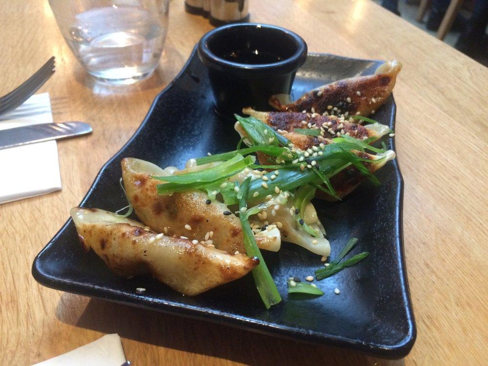 vegan_london_top_vegan_restaurants_vegan_food_in_london_mildreds_soho.jpg