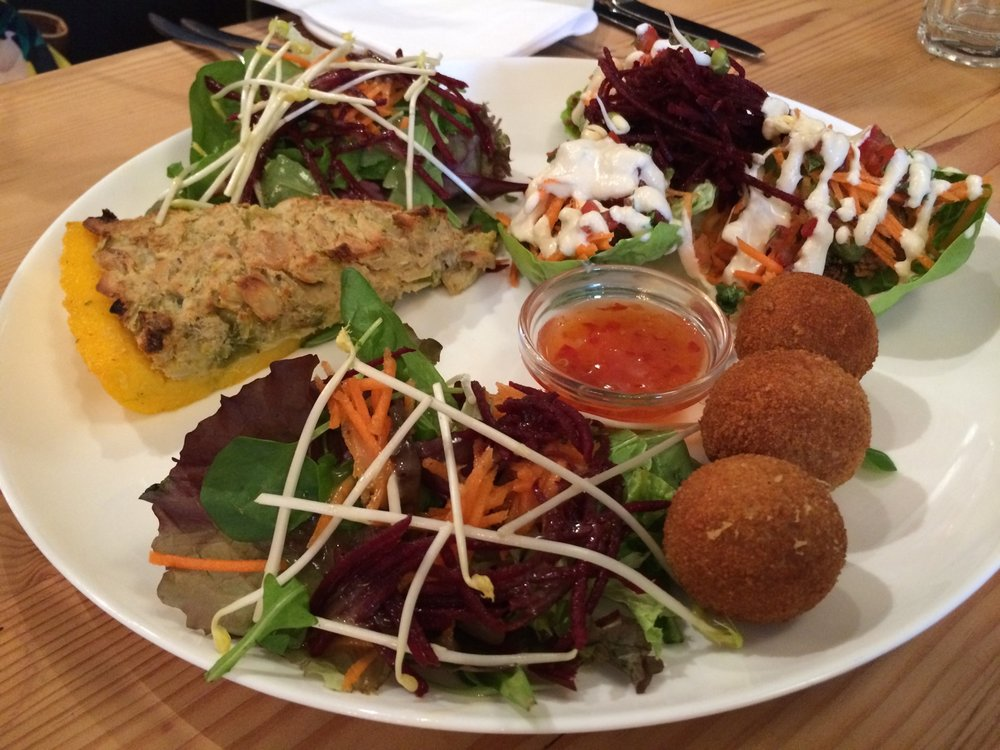 manna_mezze_platter_best_vegan_restaurants_in_london.jpg