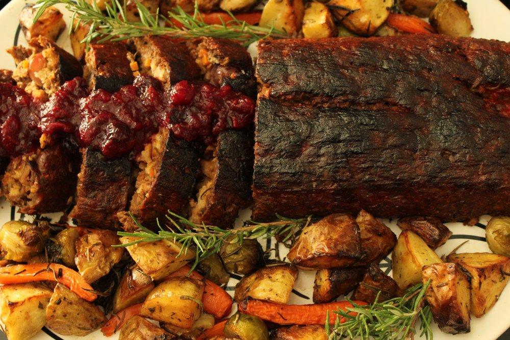 vegan_thanksgiving_lentil_roast_vegan_thanksgiving_swaps.jpg
