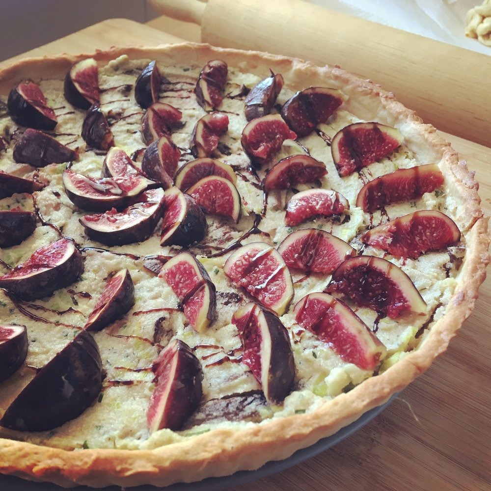 vegan_leek_mushroom_and_fig_tart_vegan_quiche.jpg