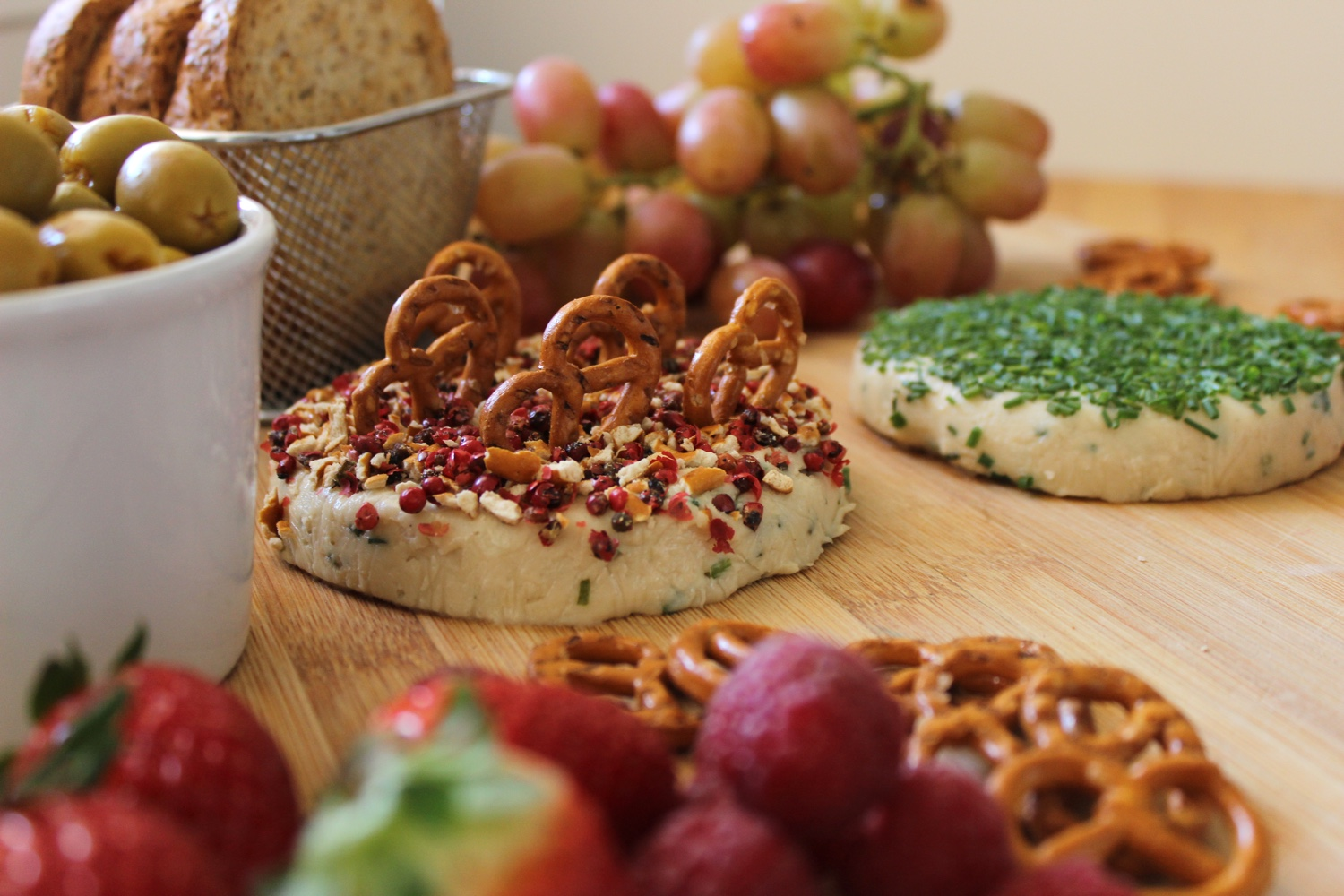 Creamy Cashew and Chive Cheese for a Festive Vegan Cheese Platter - Brownble
