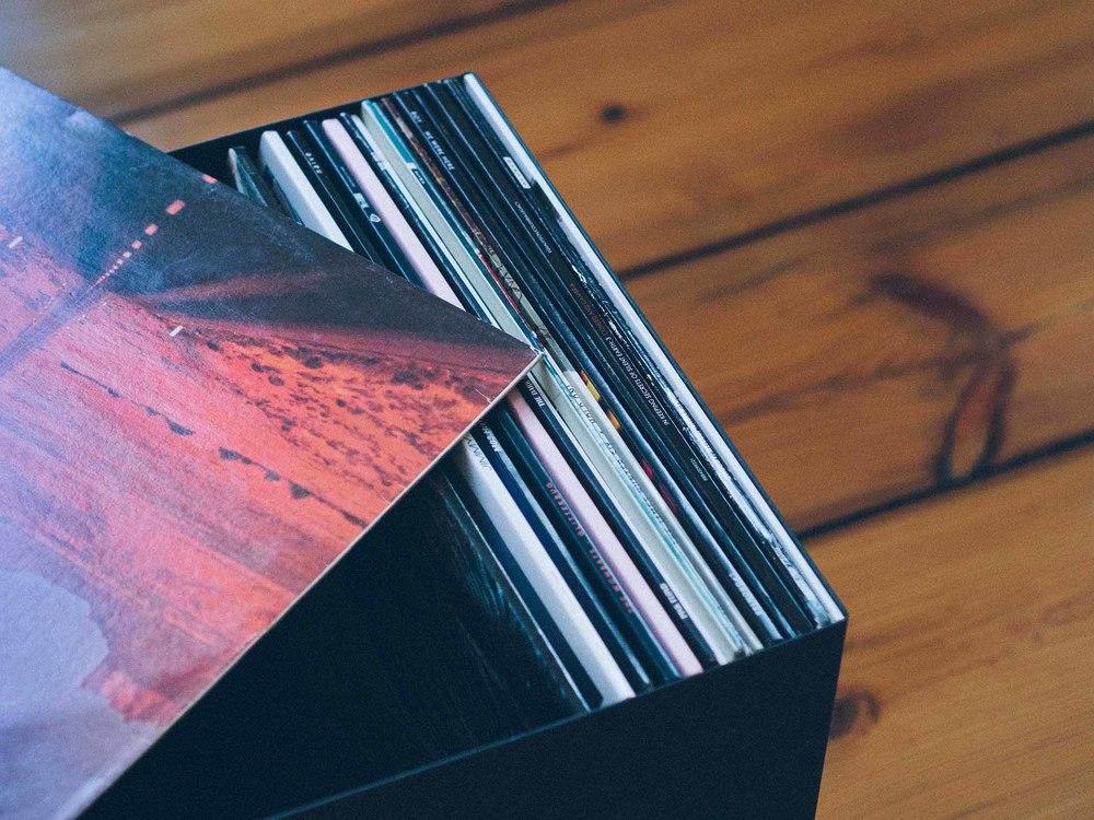 vinyl-records-in-box