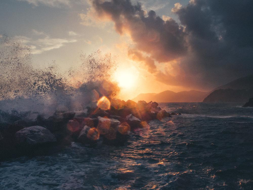 Tumult at sundown, Manarola in Cinque Terre