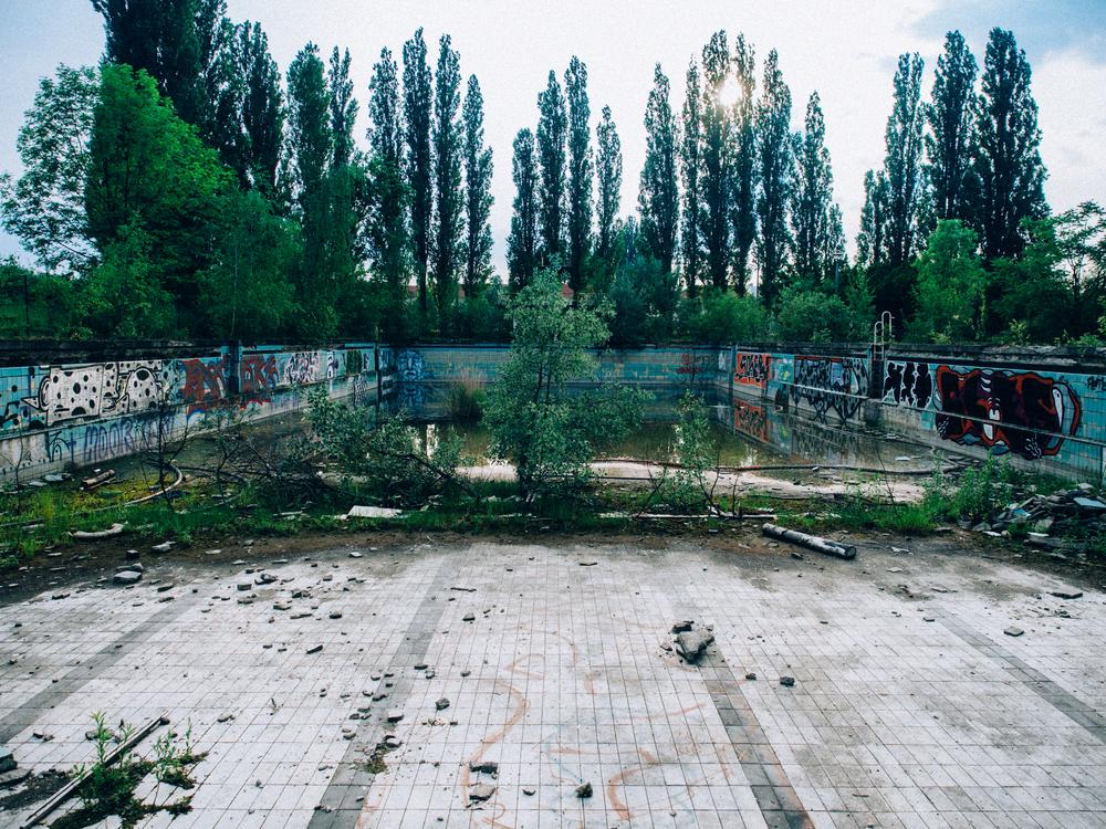 bvg-stadion-abandoned-freibad
