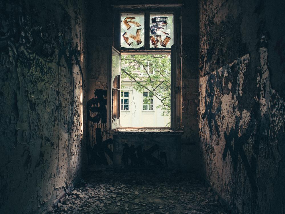 Old patient room in the Königin-Elisabeth-Hospital