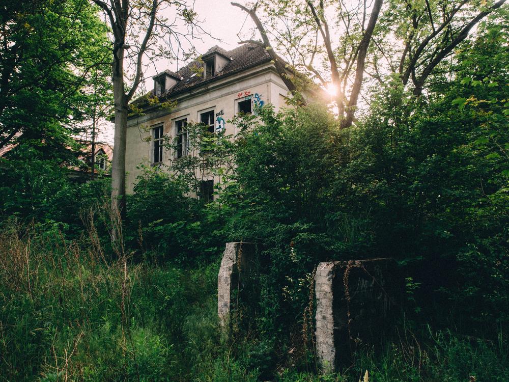 The abandoned Königin-Elisabeth-Hospital