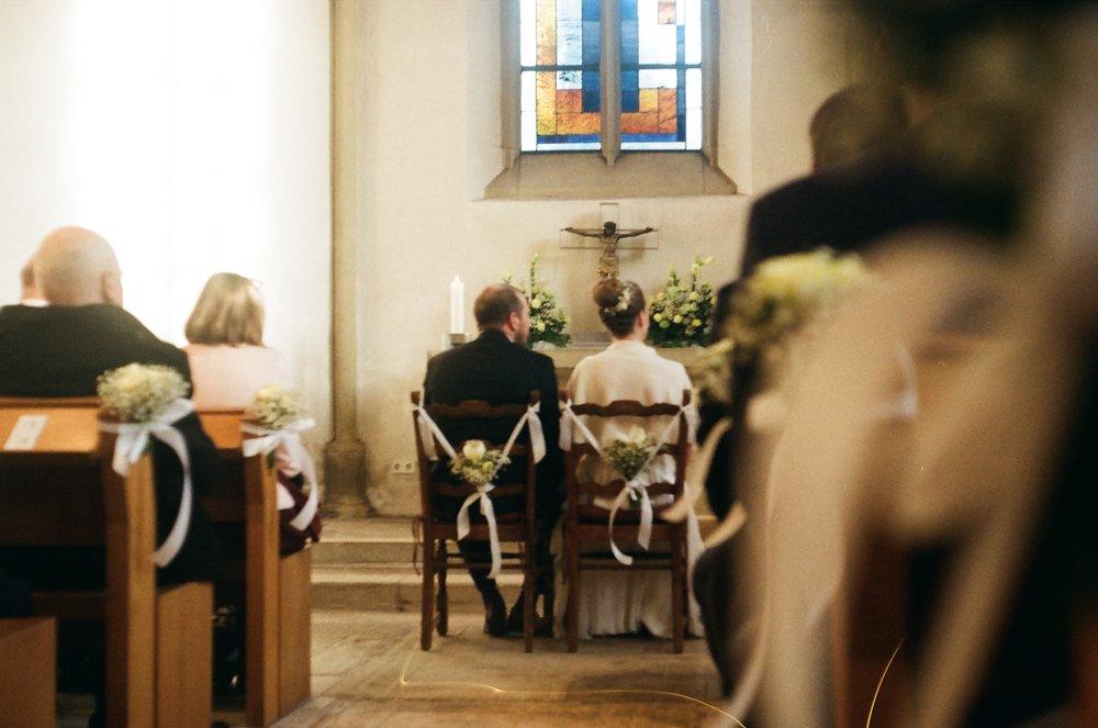 wedding-couple-church