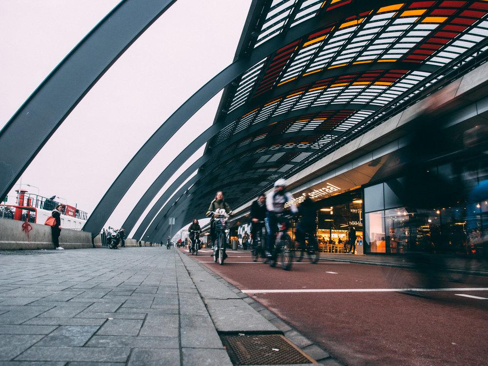 Amsterdam Centraal bike path