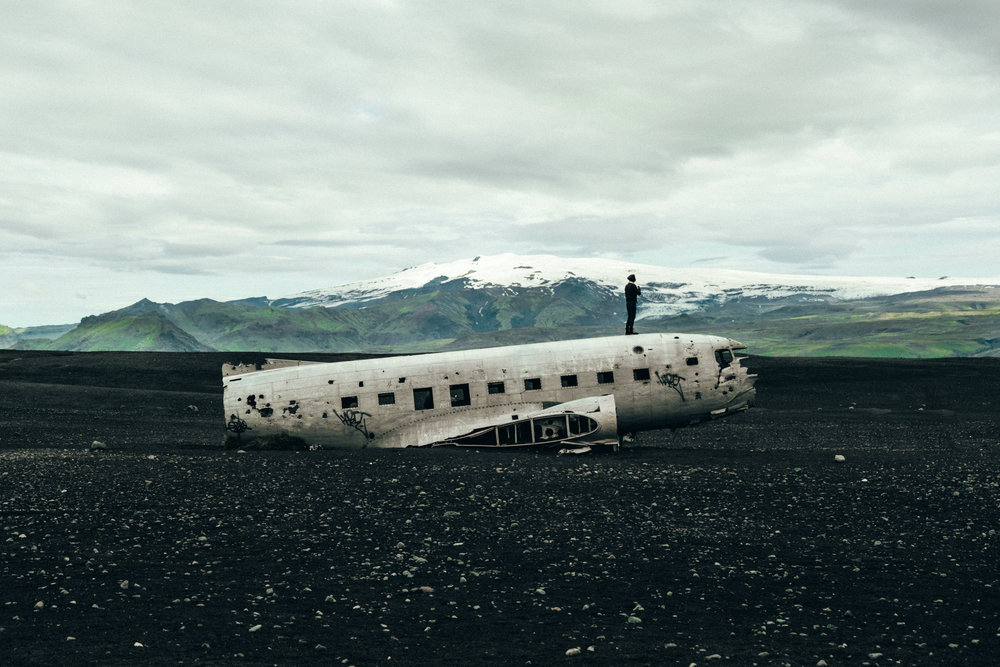 solheimasandur-plane-wreck-mountain