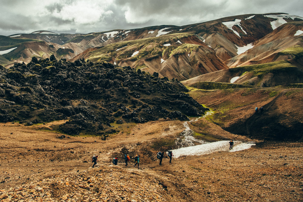 hiking-group-landmannalaugar-iceland