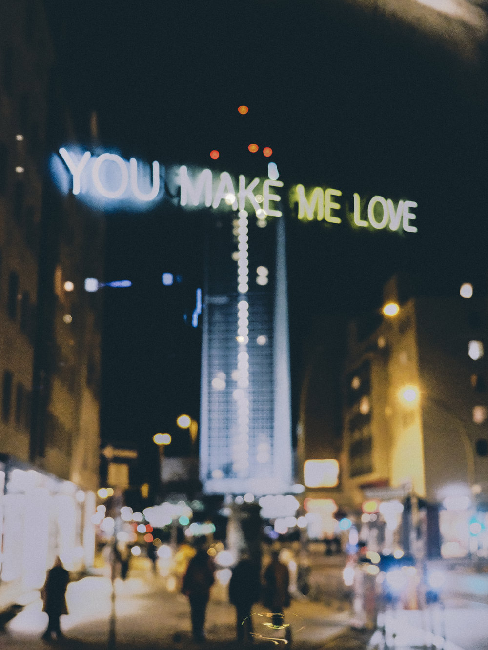 berlin-oliv-you-make-me-love-neon
