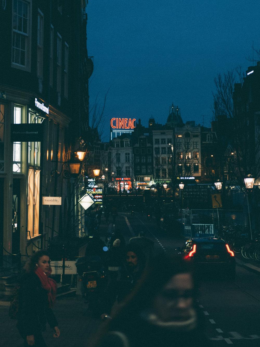 cineac-amsterdam-night-street-photography