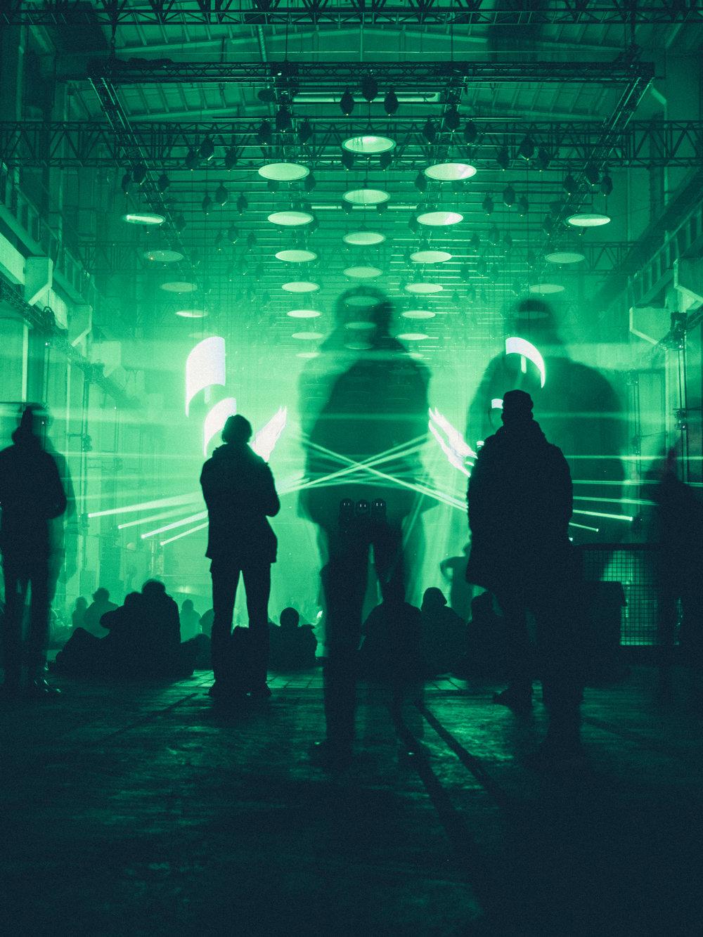 skalar-art-exhibit-berlin-kraftwerk-long-exposure