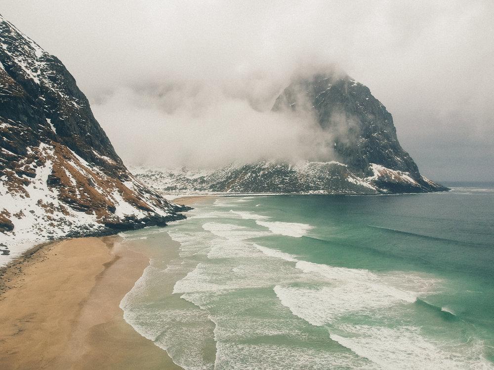 kvalvika-beach-lofoten-islands