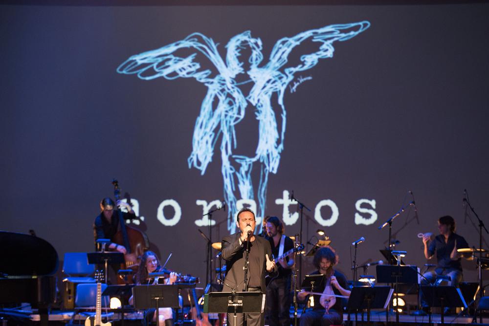 Kostas Makedonas - Aoratos Tribecca