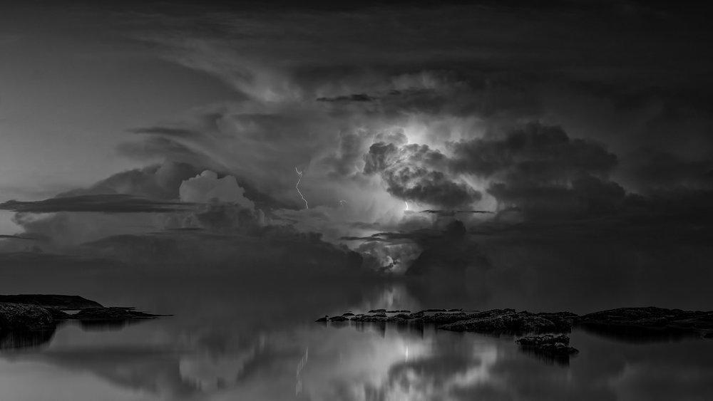 thunderstorm-3440450_1920 2.jpg