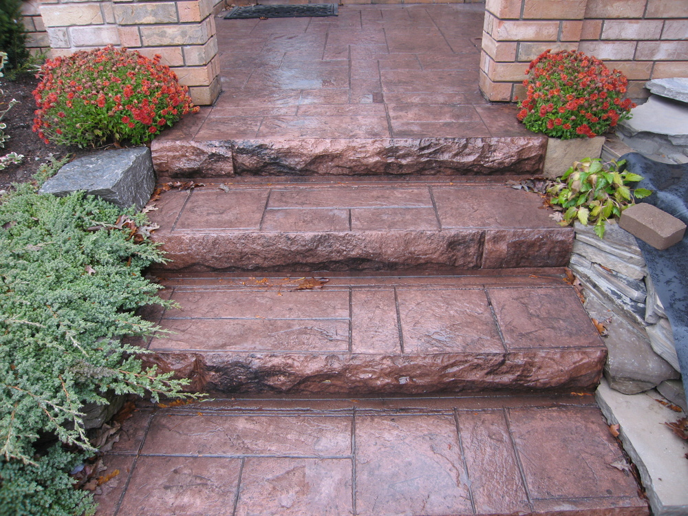 Ashlar Slate stairs with Maroon Colouring.JPG
