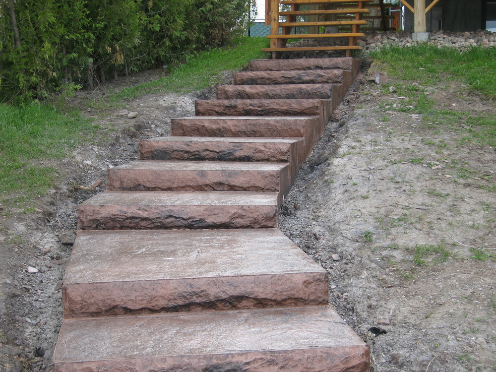 Copper coloured stairs with formliners.JPG