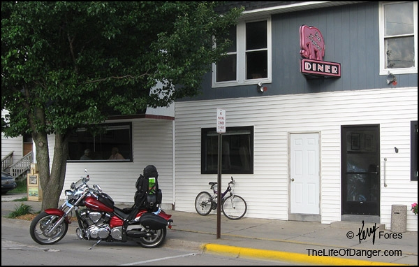 My Yamaha Raider outside the Pink Elephant Diner, Hart, Michigan.