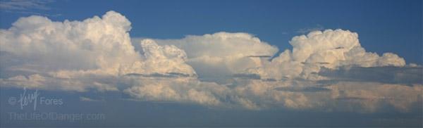 cumulus_clouds_600pxl_(C)KerryFores.jpg