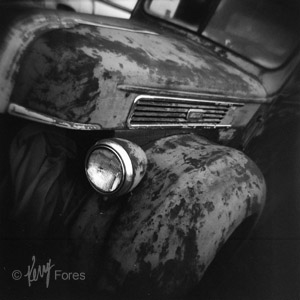 1941FordTruck_300pxl_©KerryFores.jpg