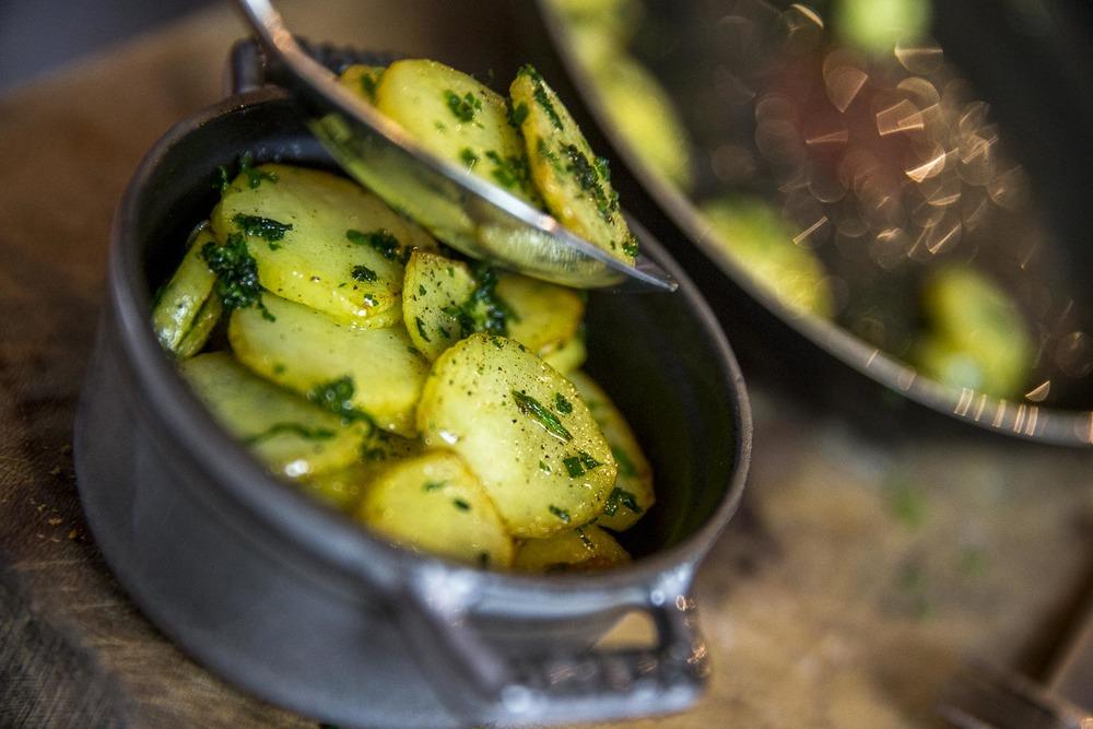 Pommes grenaille aux herbes gratinées au camembert©stephaneleroy-E61R4499.jpg