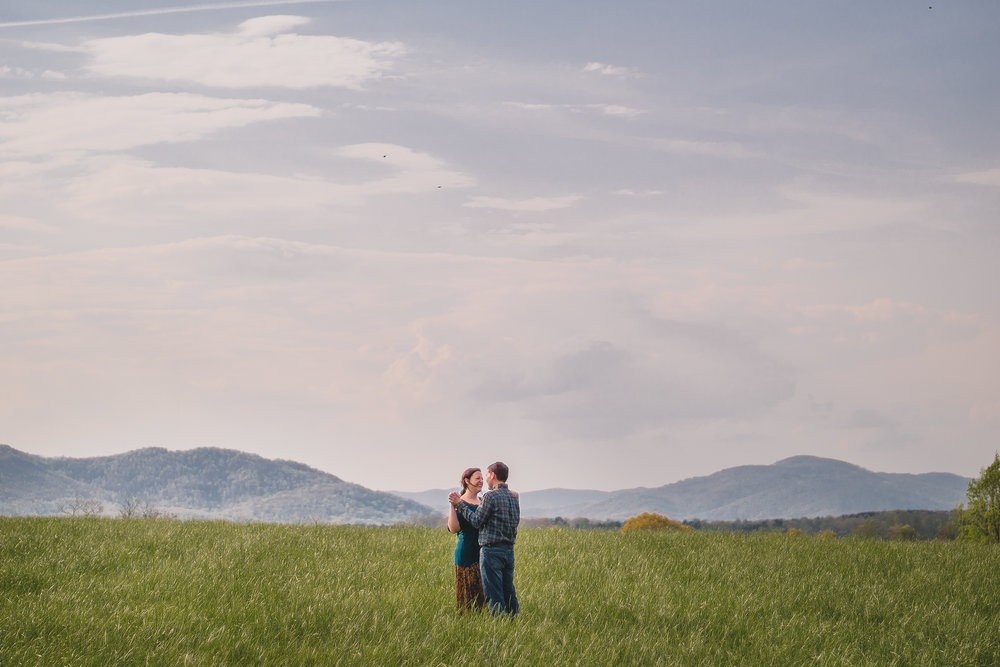 rustic engagement session at blue ridge mountains