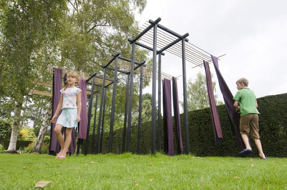 "2009 ""Obi V"" Harold Martin Botanic Garden, Leicester, England. Image Stuart Hollis"