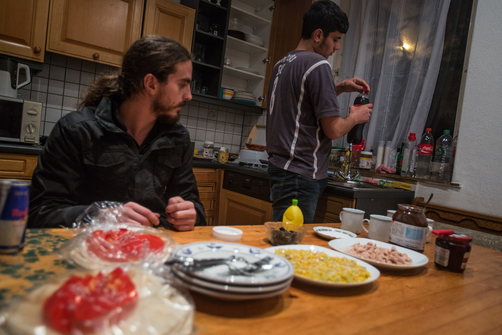 Yazan, 23, is the oldest of the person leaving in the apartment; he is in charge of cooking. Meals and eating is an important aspect of Syrians. The other people in the apartment divide the different chores.