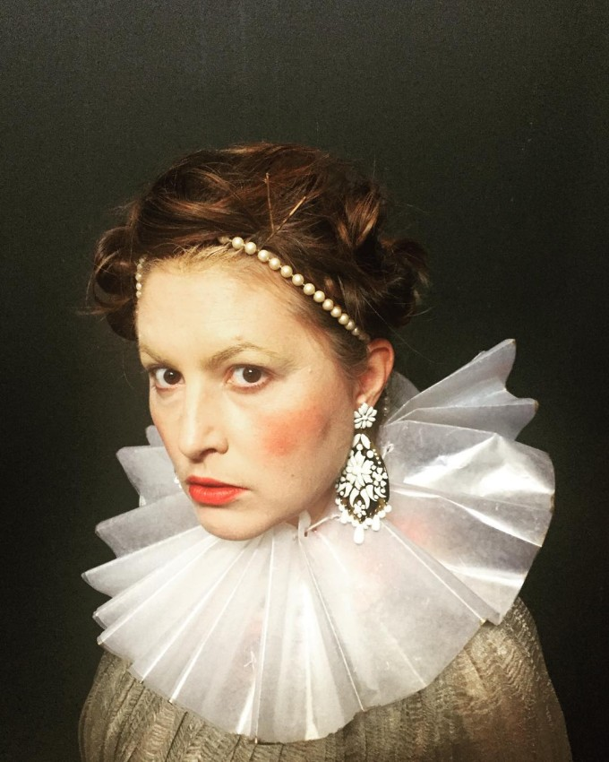 The highly imaginative Hollister Hovey as Queen Elizabeth.