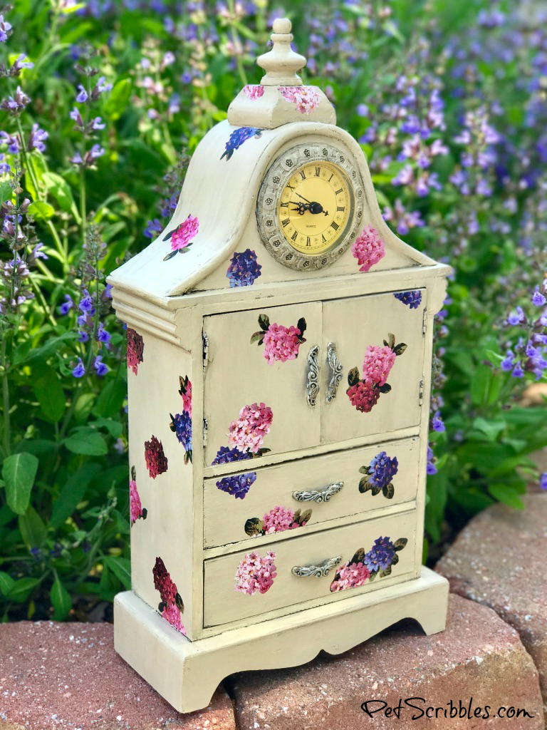 Vintage Jewelry Cabinet from Pet Scribbles