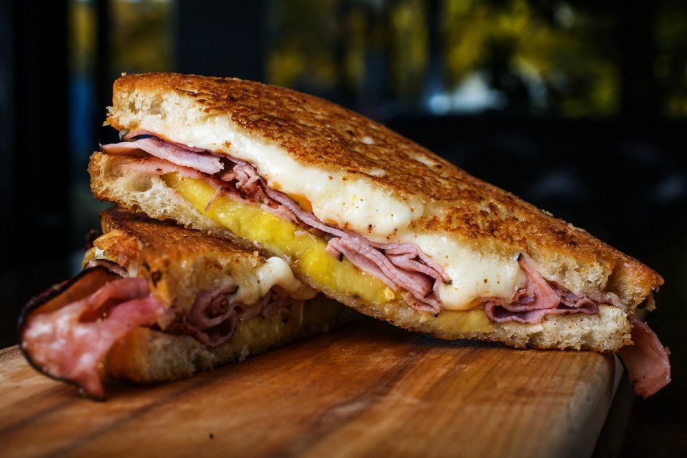 grilled-cheese-gros-luxe-montreal.jpg