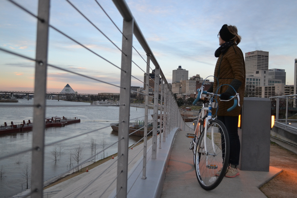 After the fine folks at Victory Bicycle Studio tuned up our bikes, we immediately headed down to the water for a ride. The Memphis skyline didn't disappoint.