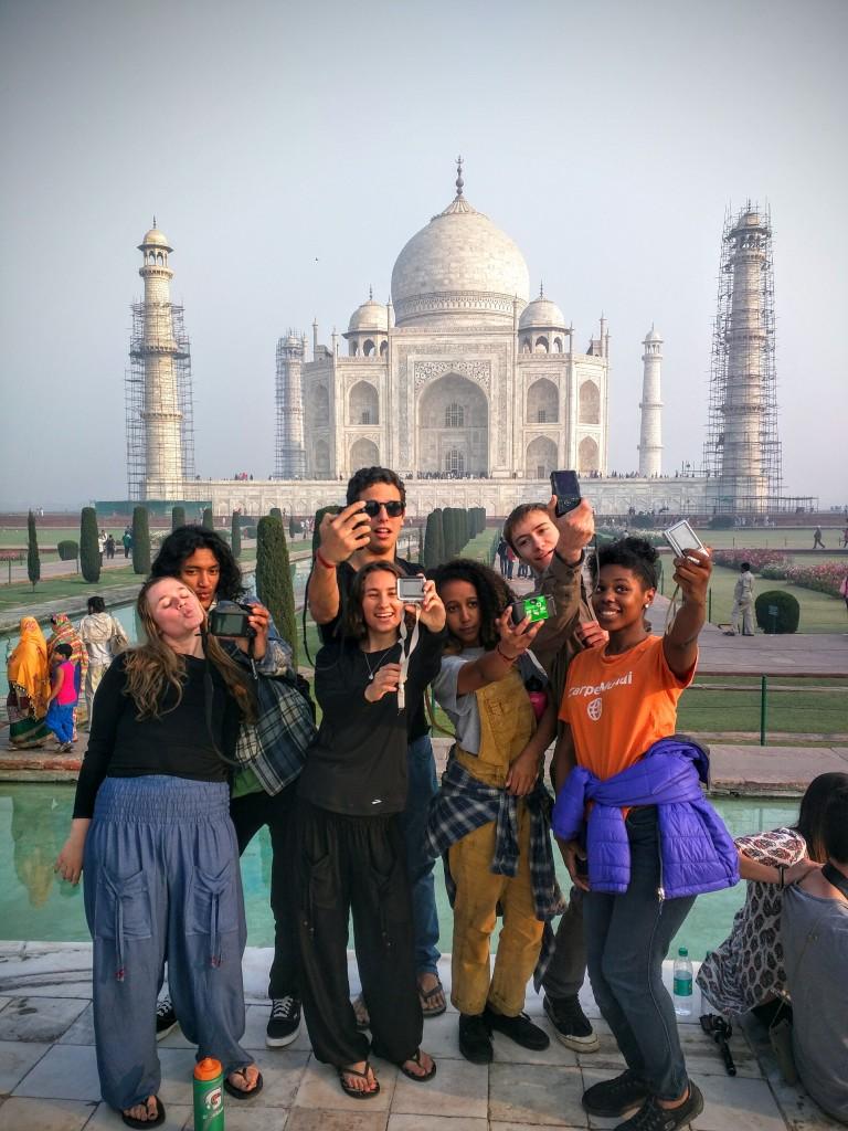 Shanti Selfie Love