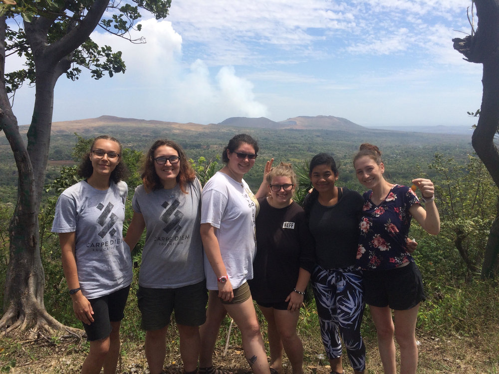 Spanish conversation class walk to a lookout point to see Volcán Masaya.