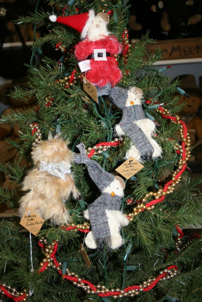 6_holiday_ornaments_1_1.jpg