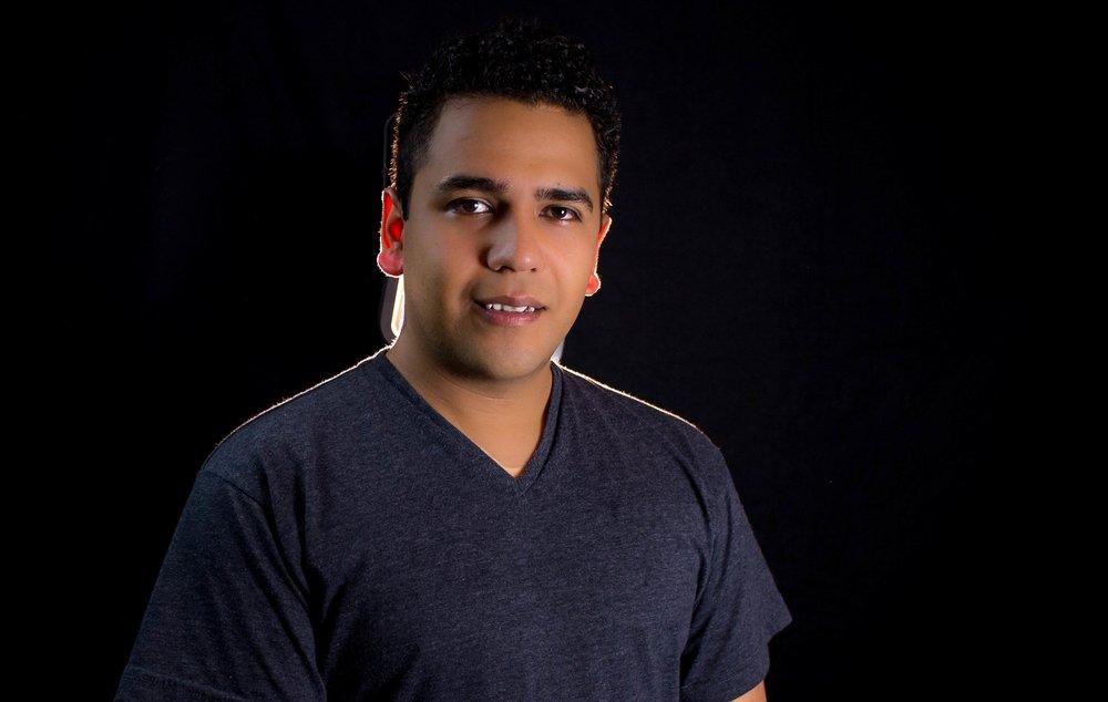 Ernesto Flores - Barítono