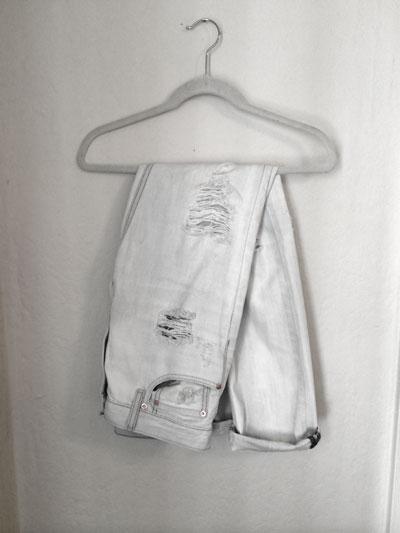 Boyfriend-Jeans+-Rips.jpg