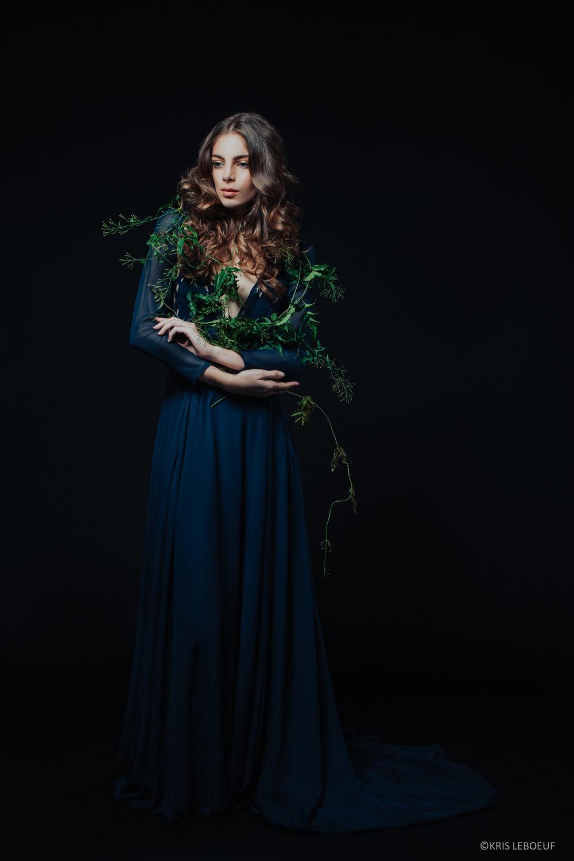 Kris-LeBoeuf_Dark-Floral_6739.jpg