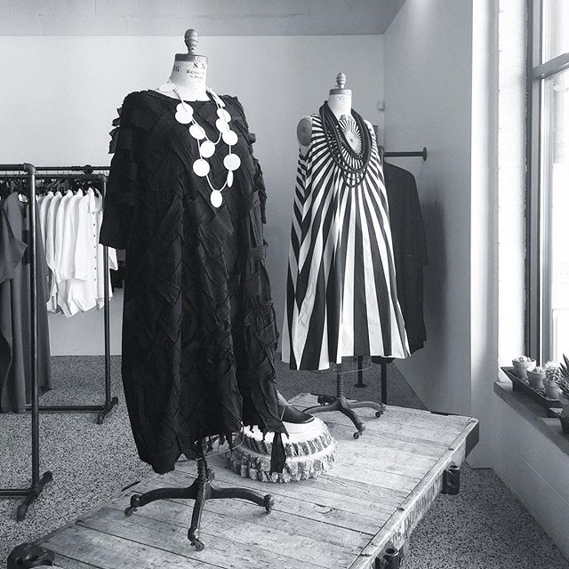 New Rundholz at Milieu!  #rundholz #rundholzdip #studiorundholz #pattern #graphicstyle #blackandwhite #edgystyle #textilelove #wovendress #fashionpost #postoftheday #instafashion #fashiongram #milieustyle #raildistrict