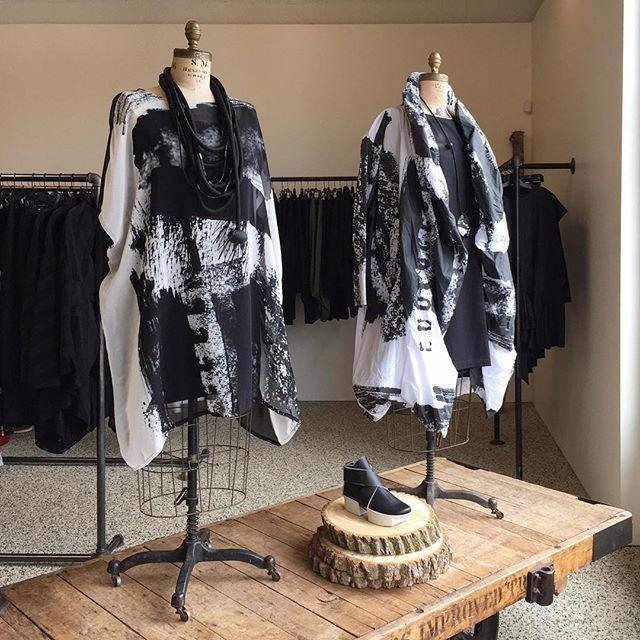 #moyuru #newarrivals #blackandwhite #abstractpattern #graphicstyle #instafashion #fashiongram #milieustyle